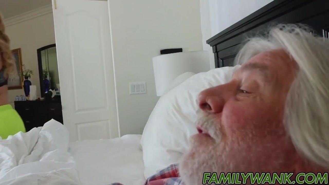 Скачать порно в колготках крупным планом