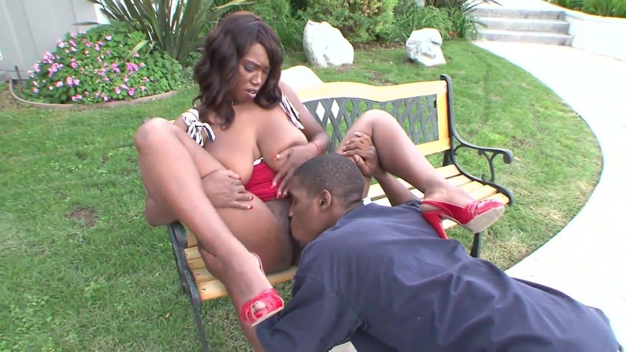 Ebony girls wanting oral sex