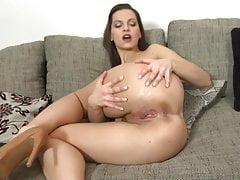 Sexy junge Mutter mit perfektem Körper