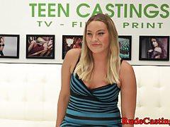 Gorgeous casting teen babe zostaje hardfucked