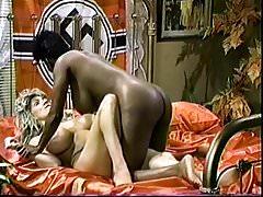 Ebenholz Ayes und Melissa Mounds