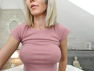 Blondes Babes Tits video: Sweet Milf Shows Tits