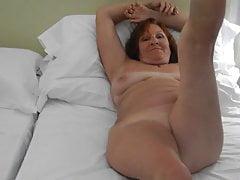 Sexy mature slut in hotel