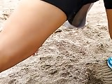 elongando en la playa