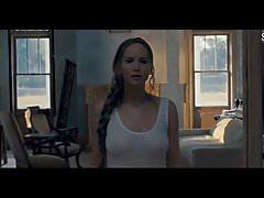 Jennifer Lawrence Nackte Titten & Hintern in durchsichtigen Nachthemd