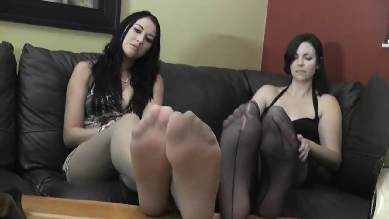 Mom nylon feet