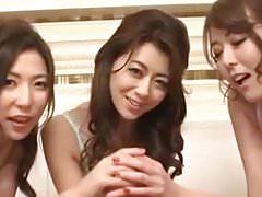 3 Babe asiatique BJ POV
