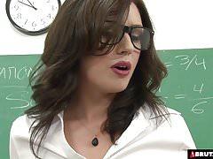 BrutalClips Teacher betreut ihre Klasse