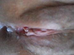 tření manželky klitoris hrající a šíření pro cum
