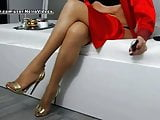 WM 553 Mature suntan Nylons Legs & Heels