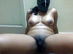Mi novia Malathi se desnuda para mí