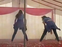 Cute Sluty Gal Dance On Stage