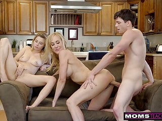 momsteachsex bigtit阿姨brandi愛幫助青少年他媽的s8e8