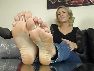 Milf Hd Videos video: Reagan Lush Sexy Feet Sohlen