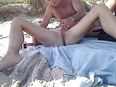 Masturbation sur la plage