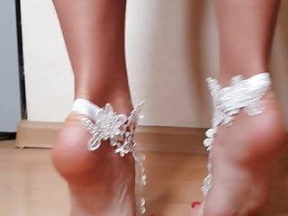 Hd Videos video: Beautiful legs and feet on tiptoes