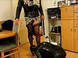 tv mistress putsrubbersissy under submission