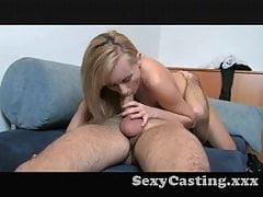 Casting - Sehr glückliche Blondine genießt Analsex
