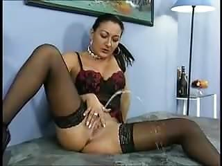 Stockings Pantyhose Pussy video: Soak the bed
