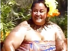 BIg ass Samoan dance