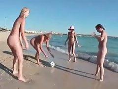 Gra plażowa 4 dziewczyny (xednorton)