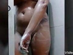 Frau, die ein Bad Paraiba Pernambuco Bahia Alagoas nimmt