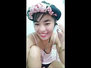 Small Tits Hd Videos video: Bigo - ID161926949 - Downblouse show