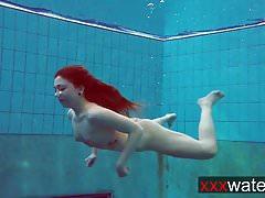 Skákací kořist pod vodou Katrin