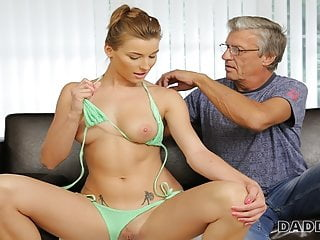 Mature European Cunnilingus video: dadDY4K. daddy has a lot of money and is very gentle