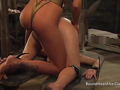 The Submissive: Strap-On Bestrafung, Rasur und Masturbation