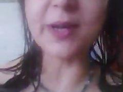 Desi BHABHI TRÈS GRANDS BIG BOOBS TANKERS DE LAIT