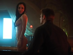 Martha Higareda - 'Altered Carbon' s1e09 geb.