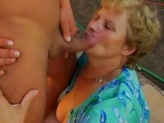 Blowjob Granny Cumshot video: Plump Blonde Granny
