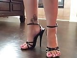 Sexy milf pink toes in 6 inch heels