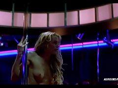 Daryl Hannah nel ballare l'iguana blu