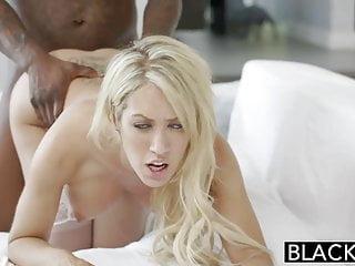 黑人妻子capr cavanni喜歡大黑公雞體內射精