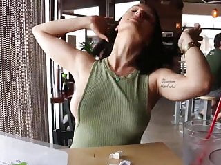 Flashing Girl Restaurant video: Girl flashing in restaurant