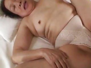porno zadarmo - Japanese granny 75YO
