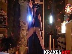 BDSM Casting. Unterwürfige Hexe bestraft und gefickt