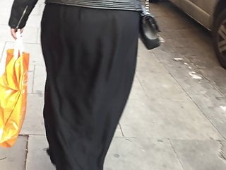 Voyeur Softcore Big Ass video: Arabian Jiggling ass (Muslim booty)