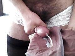 Panty cum in Arbeit