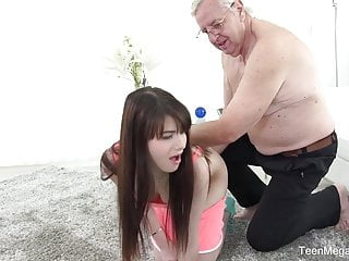 Oldyoung Babes Brunettes video: TeenMegaWorld - Old-n-Young - Old man makes sweetie kneel