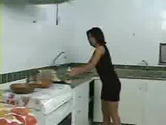 Schwägerin in die Küche nehmen
