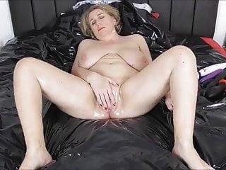 Bdsm Big Ass Facial video: Gilf masturbates for long hard BBC