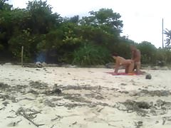 Versteckte Strandliebesbewegung