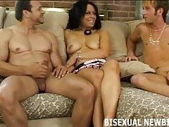 Sie werden Ihren ersten bisexuellen Dreier lieben