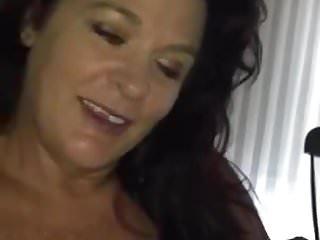 Blowjobs Milfs video: Thankful neighbor