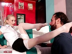 Elisa s Nephew - Smell Feet Dominacja Kult