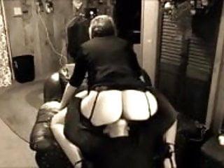 Femdom Mature video: Mature Mistress facesitting