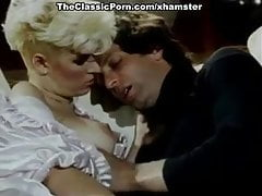 Lois Ayres, John Leslie, Nina Hartley nel classico sex movie